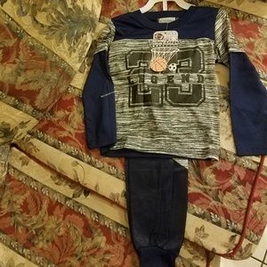 Other - Boys basketball 2 piece clothing